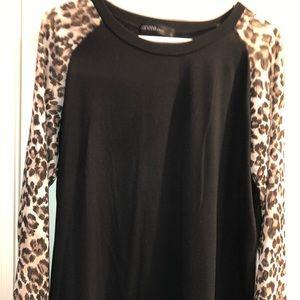 Black tee / leopard print sleeves